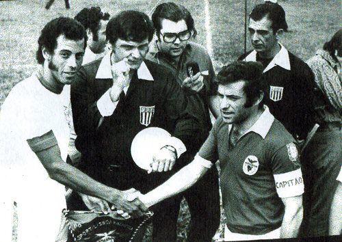Carlos Alberto e Simões.