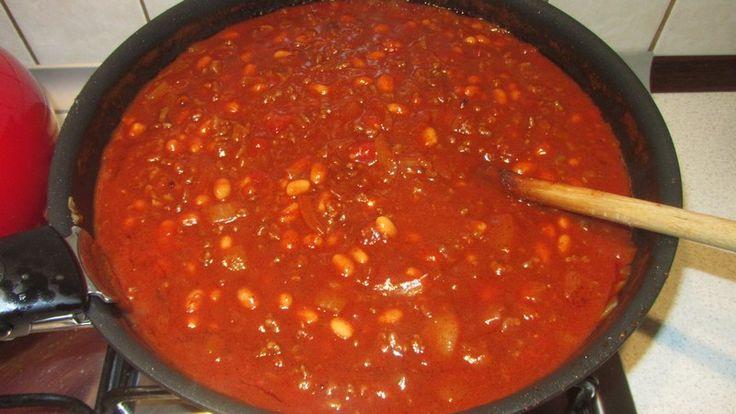 Chili con carne - mój autorski przepis prawdziwego klasyka kuchni meksykańskiej, który w mojej wersji robi się błyskawicznie i jest równie pyszny.