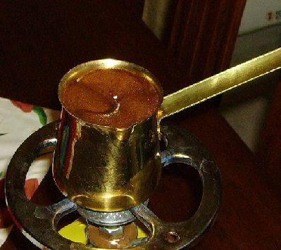 How to Make Greek Coffee: Let the foam rise in the briki
