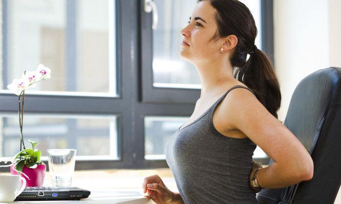 Η ΑΠΟΚΑΛΥΨΗ ΤΟΥ ΕΝΑΤΟΥ ΚΥΜΑΤΟΣ: Στάση σώματος στο γραφείο: Οι κανόνες για να μην…