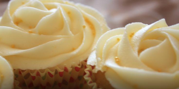 Cupcakes rellenos:  Tus cupcakes serán aún más deliciosos si los rellenas. Existen una variedad de rellenos que puedes probar y que sin duda te encantarán. Puedes probar con lo que quieras, frutas, cremas, merengue, dulces, en fin una serie de alternativas que harán de tu cupcakes una experiencia más exquisita.