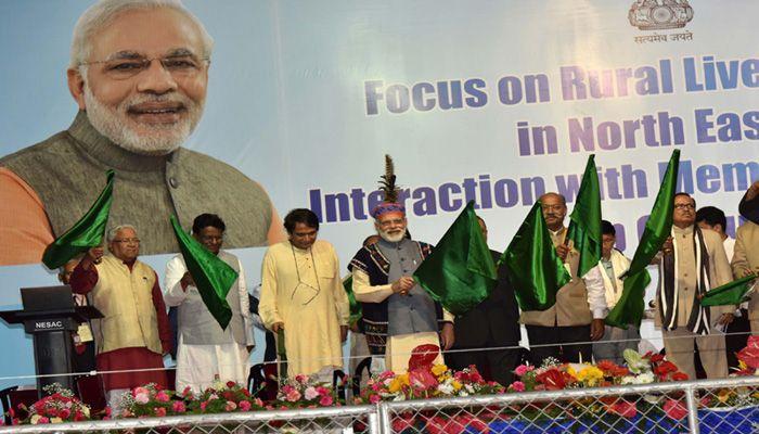 प्रधानमंत्री ने मणिपुर, मिजोरम के लिए यात्री ट्रेनों का उद्घाटन किया