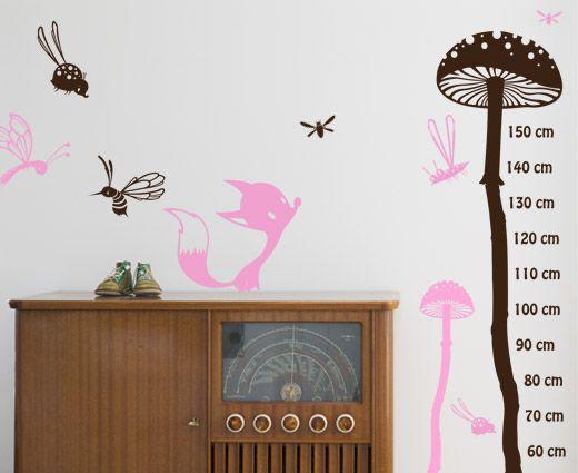 Til loftstue...Vokse wallsticker - En flott høydemåler med mange elementer!