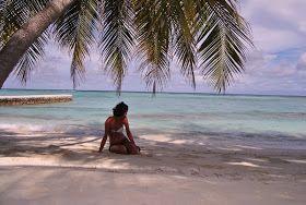 Relax, spiaggia e mare... Maldive... http://www.sphimmstrip.com/2014/02/vacanza-alle-maldive-tra-spiaggia-e-diving-alimatha.html?m=1