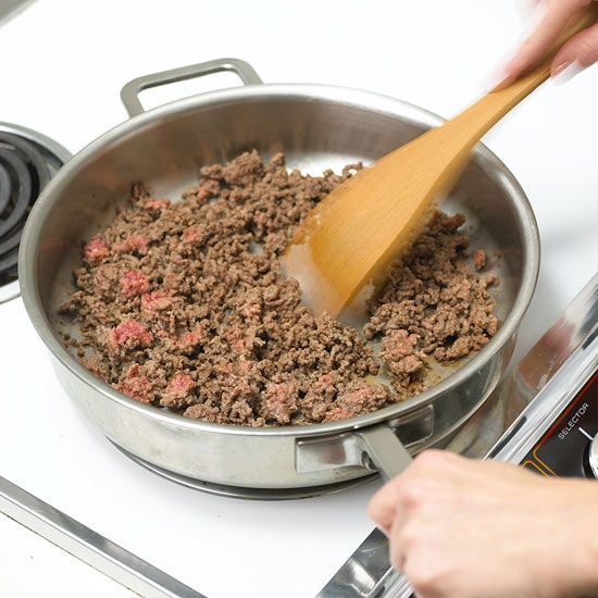 Browning ground beef is an essential bridge to mastering many recipes, including tacos, chili, sloppy joes, and lasagna. Follow these simple steps and tips to master this basic cooking skill.