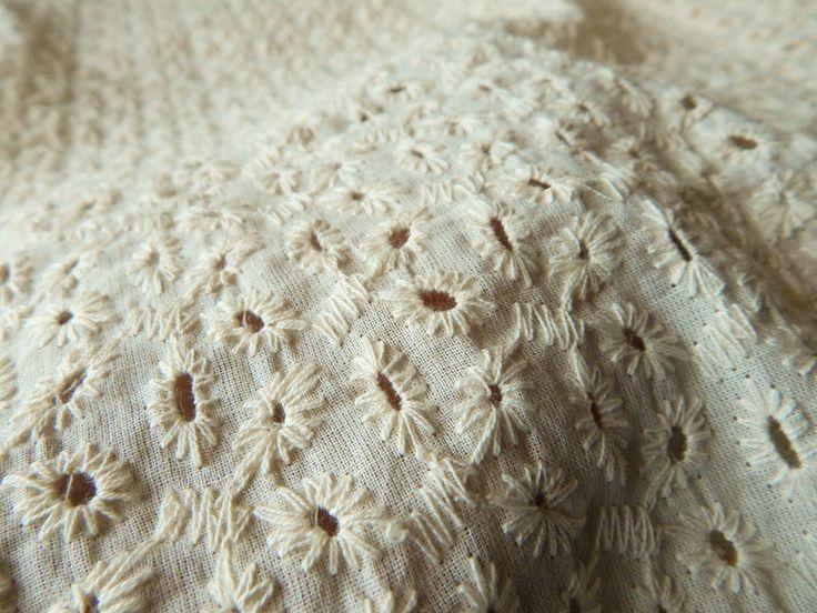 Tessuto floreale - Tessuto cotone tessuto ricamato Occhiello Tessuto - un prodotto unico di IndianParadise su DaWanda