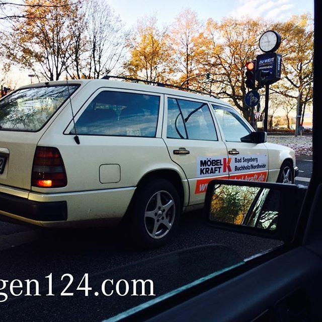 Hamburg still has nice cabs  www.wagen124.com www.facebook.com/wagen124 #w124 #s124 #c124 #mercedes #classicmercedes #drivetastefully #instacar #instabenz #classiccar #hamburg #garage #youngtimer #taxi #om603 #300td #cab #benzspotting