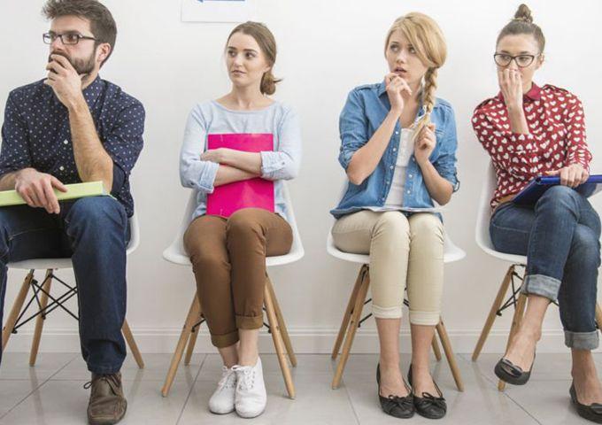 Жесты неуверенности: о чем могут рассказать руки собеседника