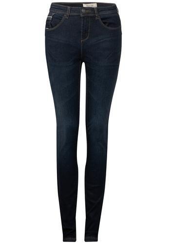 #STREET #ONE #Damen #Dunkle #Slim #Fit #Jeans #Denim #Yoko #blau Dunkelblaue High Waist Jeans in schHerrenr Passform mit körpernahen Beinen und messingfarbenen Nähten: das Modell Yoko von Street One. Die authentisch dunkelblaue, nur sehr leicht gewaschene Slim Fit Jeans Jeans in schlanker Passform hat eine trendig hohe Taille und schHerren, körpernah geschnittene Beine. Ein kleiner Stretchanteil im weichen Baumwollmix macht den 5-Pocket Style besonders angenehm und bequem zu tragen und…