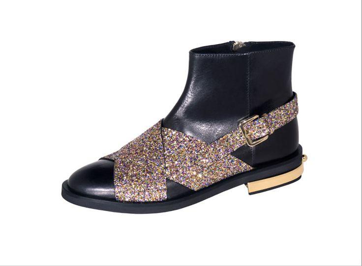 coliac-glitter-closeupblog.com-francesca-cellini-sparkling-brillantini-glitterate-inverno-2016Lo stile sparkling non vuole proprio lasciarci, ecco una selezione di imperdibili scarpe glitterate per l'inverno! New post up www.closeupblog.com  #fashion #style #stylish #love #shoes #heels #styles #outfit #purse #shopping