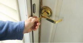 Tips Agar Tidak Lupa Mengunci Pintu Atau Jendela Pada Saat Berlibur