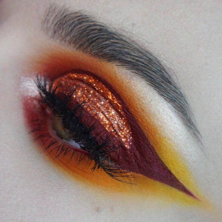 WOW TEQUILA SUNSET PRESSED GLITTER ON SALE ONLY $7.99 MAKEUP BY @quinton_west LOVE IT