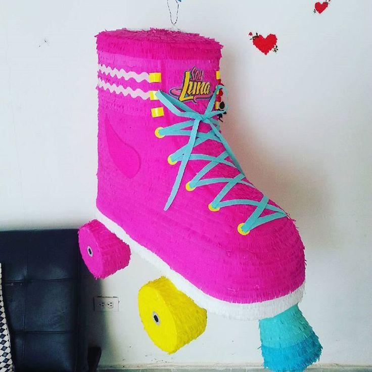Piñata de patín de soy luna #piñatas #piñata #fiestas #fiestasinfantiles #margarita #islademargarita #islamargarita #hechoamano #mimisma #diseñosolmarperez #soyluna #patín #patinsoyluna