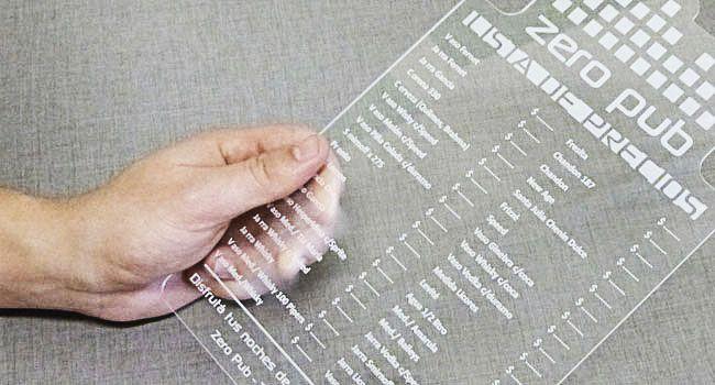 Carta Menú realizada en acrílico transparente - PROTIVO | Diseño Gráfico