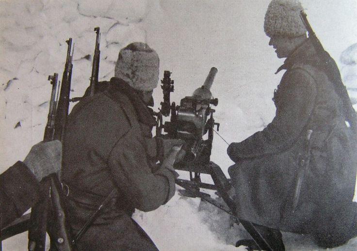 Romanian Army WWII, 47/32 infantry gun crew, pin by Paolo Marzioli