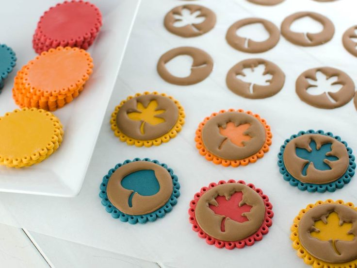 royal icing transfers on fondant cupcake toppers