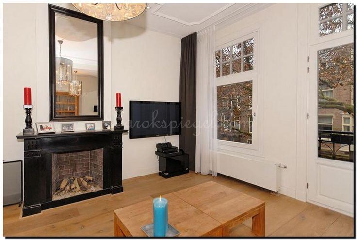 Prachtig deze grote moderne spiegel met zwarte lijst boven de openhaard. http://www.barokspiegel.com/zwarte-barok-spiegels/zwarte-spiegel-modern-enzo