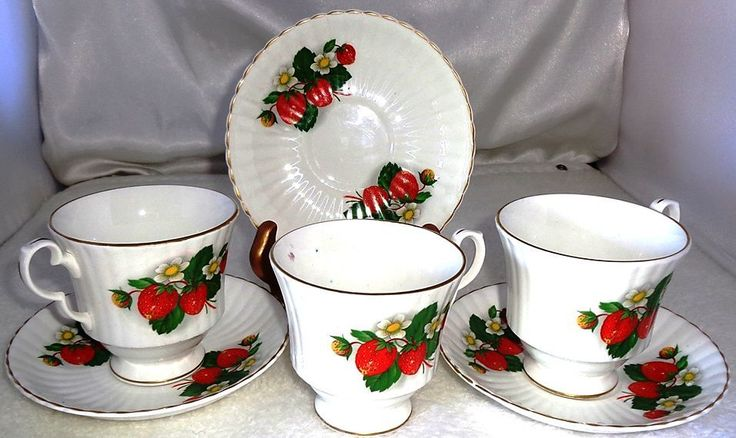 Ashley Bone China Set 3 Tea Coffee and 3 saucers w/ Gold Trim Made in England