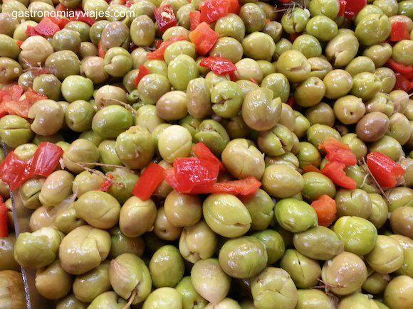 Receta para aliñar las aceitunas aloreñas de Málaga