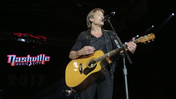 Keith Urban's 2016 Artists Tribute - New Year's Eve - YouTube