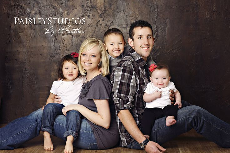 Family picture;) » Paisley Studios {the Blog}