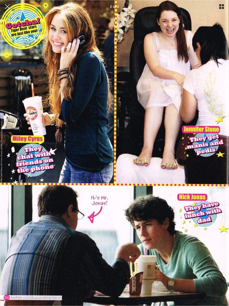 Miley Cyrus, Jennifer Stone, Nick Jonas