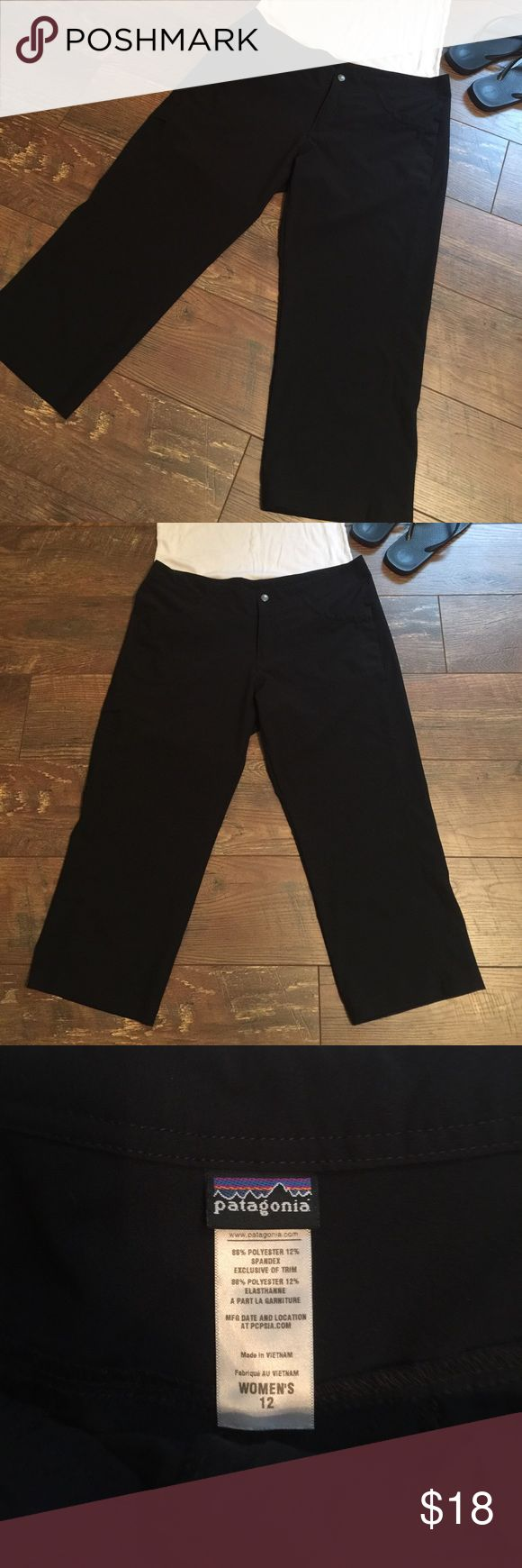 Patagonia Cropped Pants Patagonia cropped pants in a size 12. The pants are black in color and have a zipper and button closure in the front. Please let me know if you have any questions. Patagonia Pants Ankle & Cropped