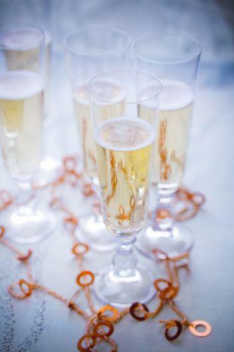 De jolies flûtes pour y verser du bon champagne en ces fêtes de fin d'années.  #MarielysLorthios #Champagne #Christmas
