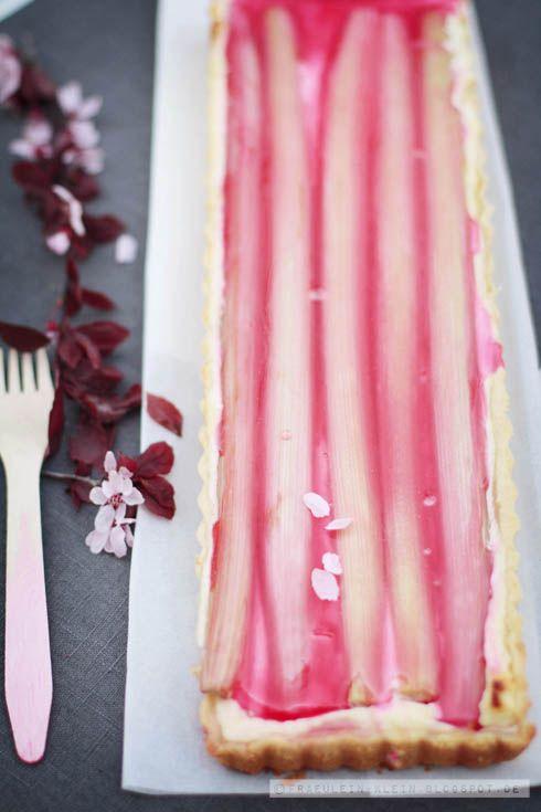 Fräulein Klein : Kirschblüten Part 1 und Rhabarber Cheesecake