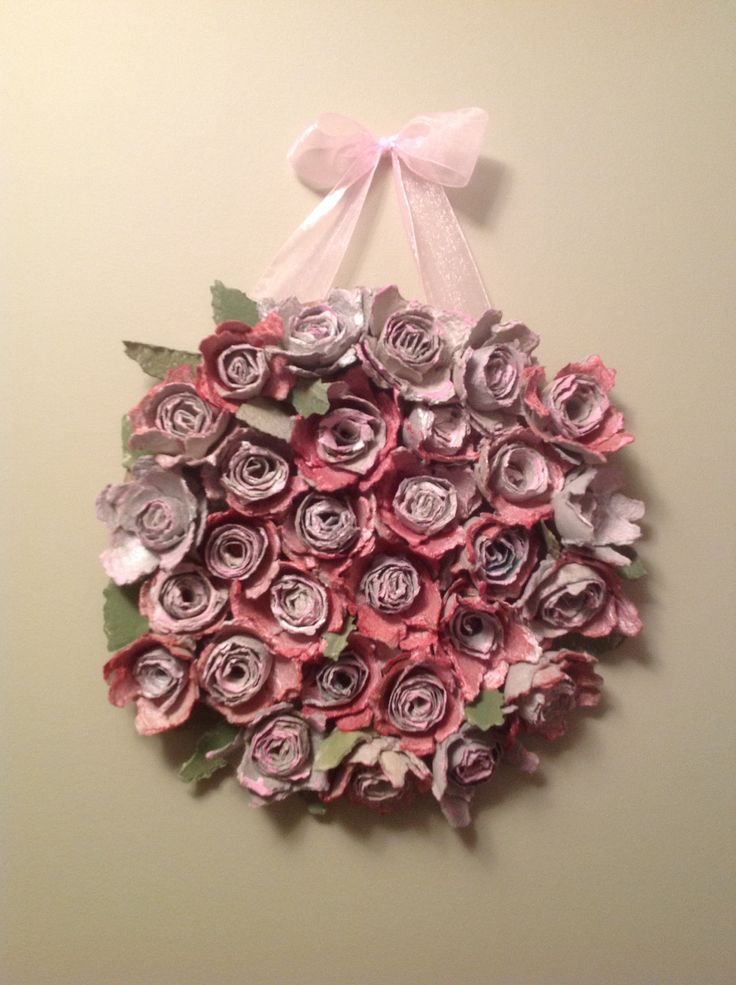 Spring wreath made from egg cartons my art pinterest Egg carton flowers ideas