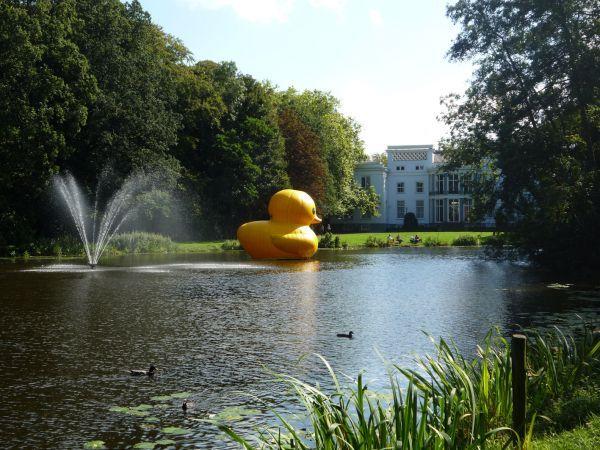wassenaar the netherlands giant inflatable rubber ducky florentijn hofman (2)