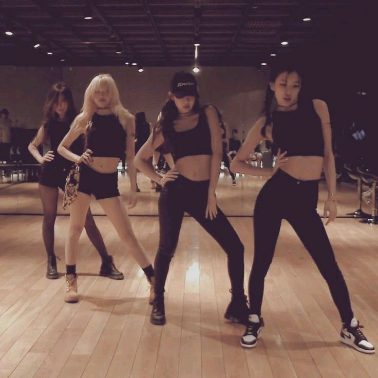 Blackpink Dance Practice Photoshoot In Black K Pop