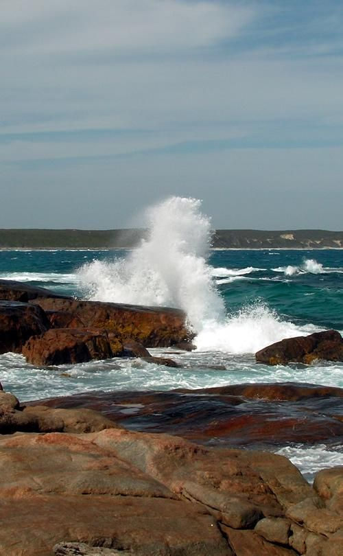 Waves crashing on rocks near Quagi Beach, Esperance, Western Australia