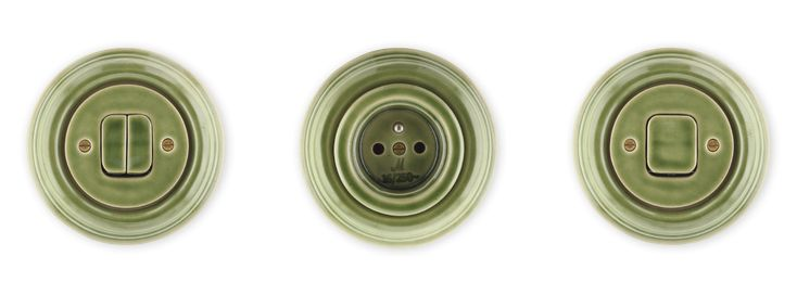 Retro vypínače a zásuvky Mulier Klasik zelená kachlová.