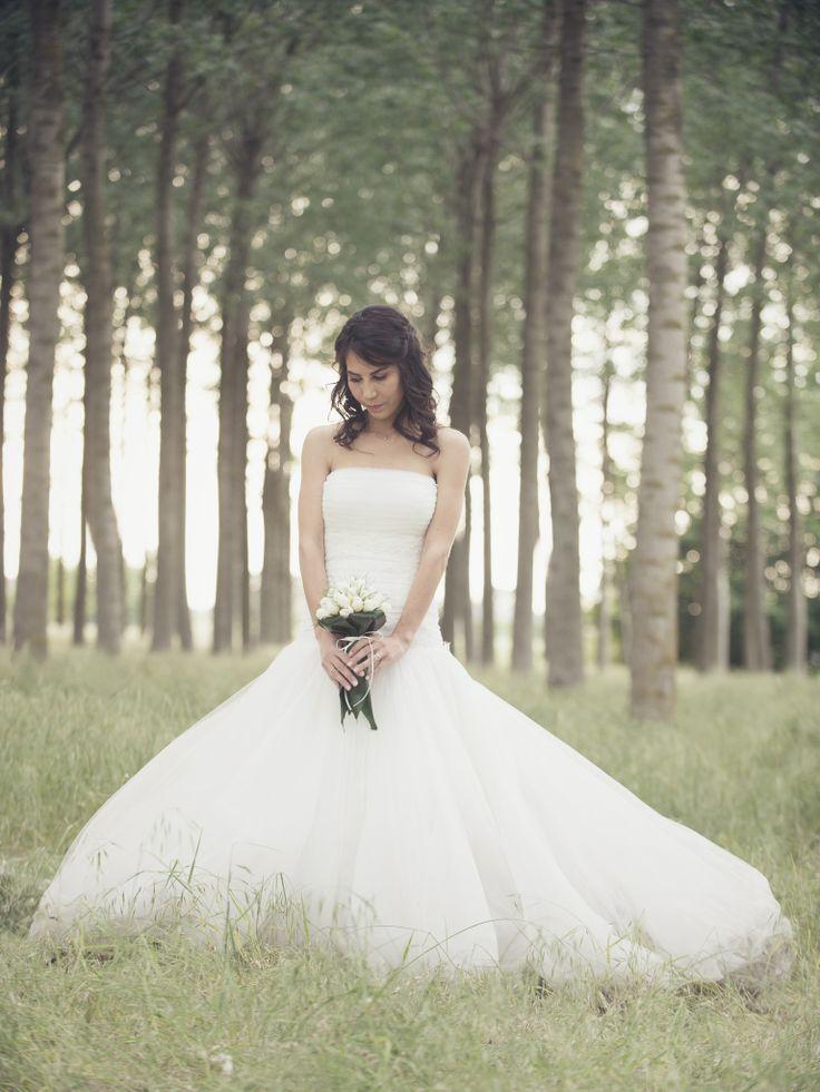 #Bride #Weddingdress #Dress #Abitosposa #Sposa #Bouquet #Vintagewedding #Vintagedress
