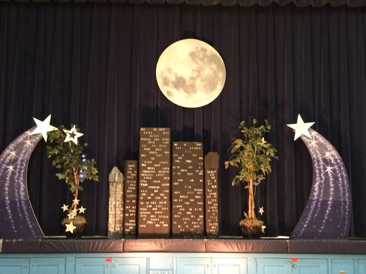 Star Theme Stage Display Moon And Shooting Star Props