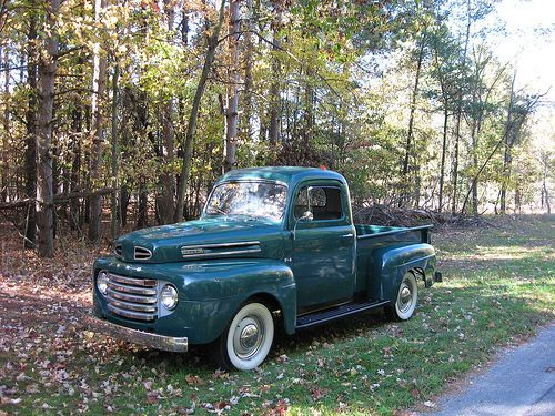 classic ford truck, had one just before I got married. Took 10 gallons of gas and three quarts of oil to get from Sherman to Dallas.