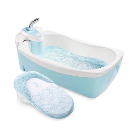 """Summer Infant Детская ванна с душевым краном Lil' Luxuries  — 8650р.  Детская ванна с душевым краном """"Lil' Luxuries"""" голубого цвета марки Summer Infant для мальчиков. Ванна оснащенна специальным моторчиком для создания пузыриков, который работает от батареек (в комплект не входят). Для удобства есть съемный блок с душем.Двойные стенки поддерживают температуру воды. Модель дополнена эргономичнаой никелевой душевой ручкой. Рекомендовано для детей от 0 месяцев. Размеры:25х46х73 см. Вес: 5,8…"""