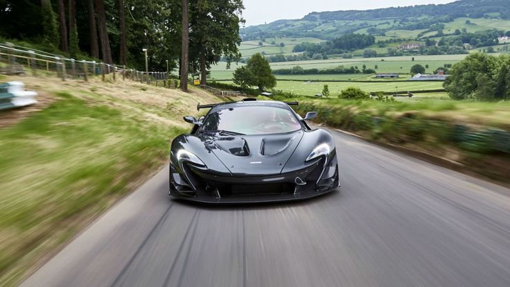 A company called Lanzante has decided to convert the 986-hp beast into a hypercar that could go on public roads as well, called the McLaren P1 LM.