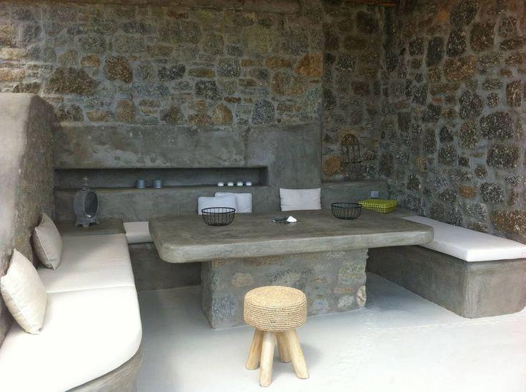 Cyclamen villa: al fresco dining