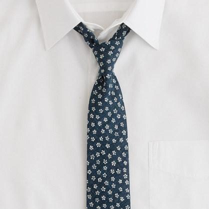 Flyweight denim floral tieWindsor Ties, Denim Floral, Blossoms Ties, Style, Flyweight Denim, Floral Ties, Men Fashion, Denim Ties, Ties 70