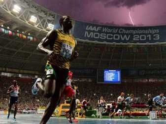 Incredible Perfectly Timed Photo Of Usain Bolt Winning 100-Meter Final As Lightning Strikes  Read more: http://www.businessinsider.com/usain-bolt-lightening-bolt-photo-is-perfectly-timed-2013-8#ixzz2blPDbkJz