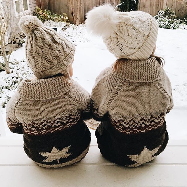 Cozy winter sweaters #wool #snow / Caldi maglioni invernali #lana #neve - @lee_kristine on Instagram
