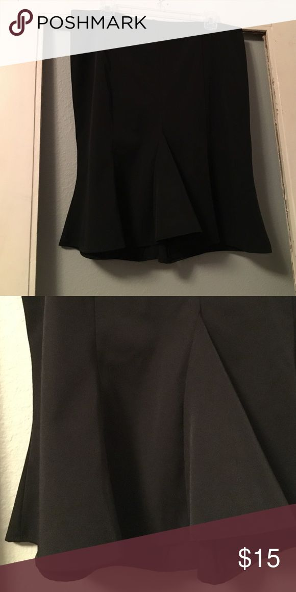 Tulip skirt! Stretch to hug your curves and give you a great figure! Copper Key Skirts Midi