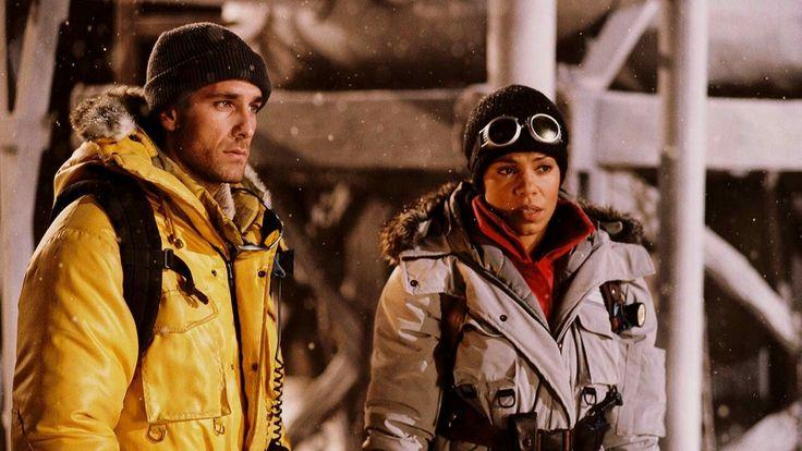 Sebastian De Rose (real name Raoul Nova) and Alexis Woods (real name Sanaa Lathan) acting in Alien vs Predator.