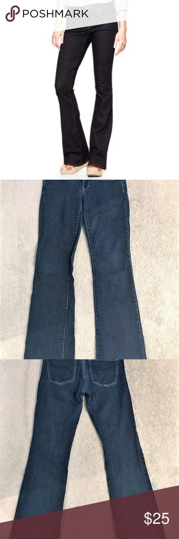 "Gap 1969 Curvy Jeans Women's Size 29/8L Dark Wash Gap 1969 Curvy Jeans Women's Size 28/6r Dark Wash.  Slight wear on the back of the bottom of pant legs. A 1"" rip in the bottom left leg above the bottom hem. See photo. Very good condition otherwise. The waist measures 7.25"" from the top front to the crotch seam. American Eagle Outfitters Jeans Boot Cut"