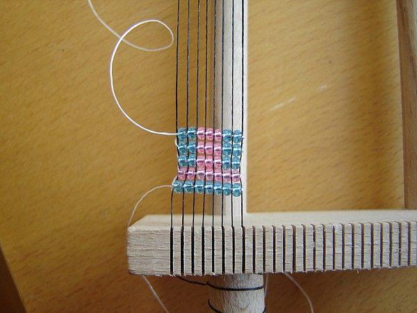 kralen weven - tutorial  kijk ook op http://www.hekrasier.nl/weven_1.htm