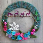 Мобильный LiveInternet strong>Новогодние венки из пряжи с цветами из фетра. Видео мастер-класс | наталь - Дневник наталь |