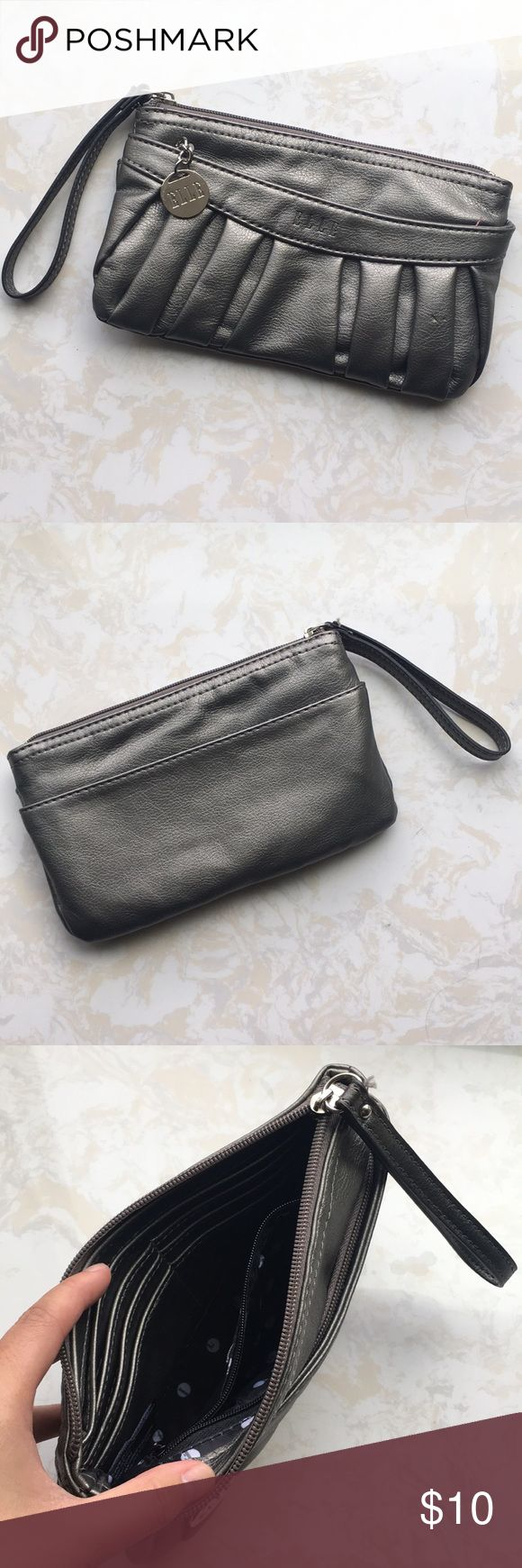 Elle: Grey Clutch/Wristlet Used only once, still in great condition. Perfect to add to your holiday look this winter season 😉 Has credit card compartments! Elle Bags Clutches & Wristlets