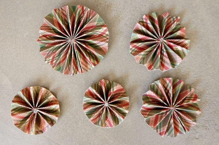 DIY Paper Christmas Ornaments Medallions